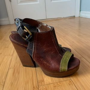Lucky Brand Peep Toe Stacked Heels Size 7.5